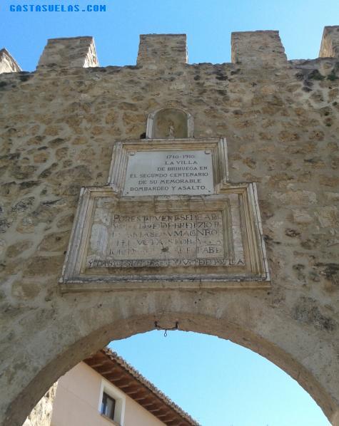Puerta Cadena y Muralla de Brihuega (Guadalajara)