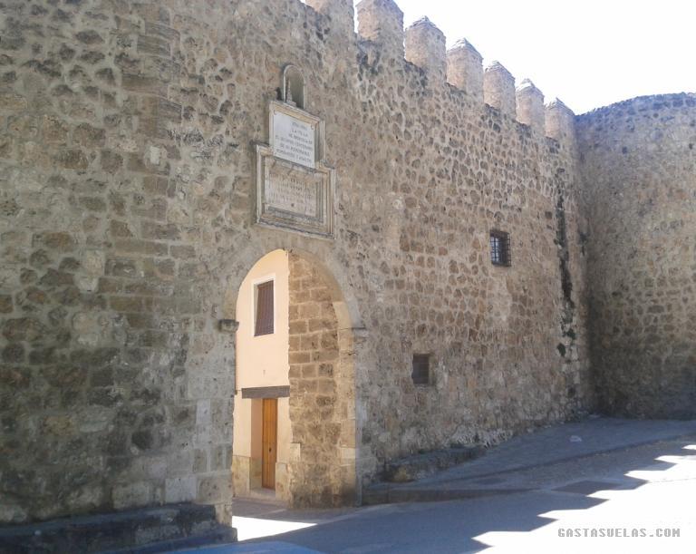 Brihuega - Puerta Cadena y Muralla
