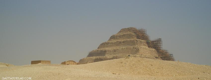Saqqara (Egipto) y la Pirámide Escalonada
