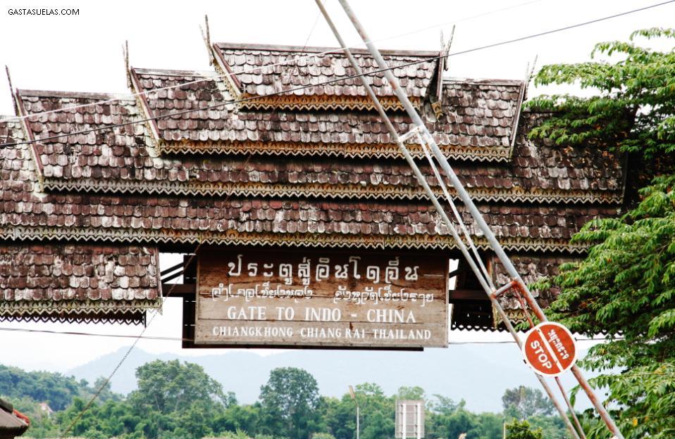Descenso del Río Mekong: Entre Tailandia y Laos