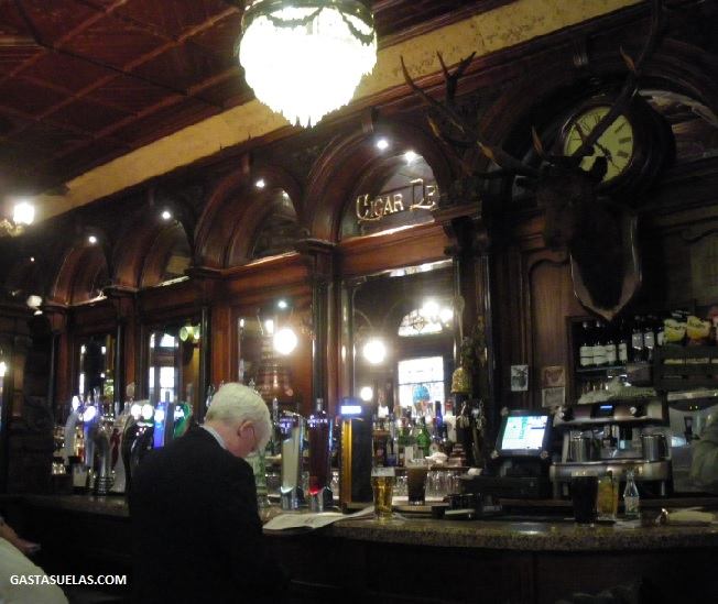 Pub - The Stags Head - Dublin