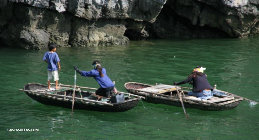 Mujeres - Ha long Bay - Vietnam