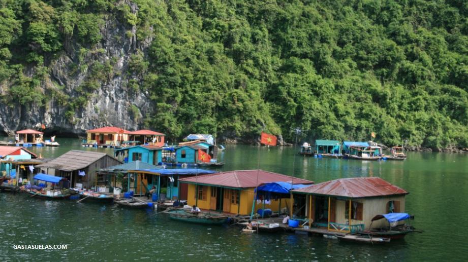 Pescadores - Ha long Bay - Vietnam