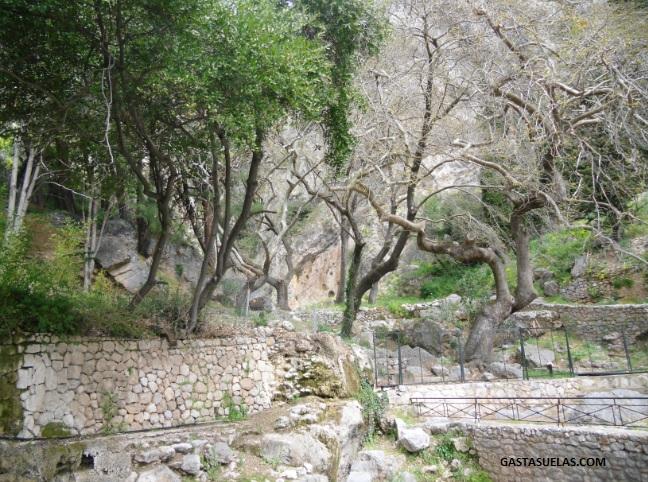 Fuente Oraculo - Delfos - Grecia