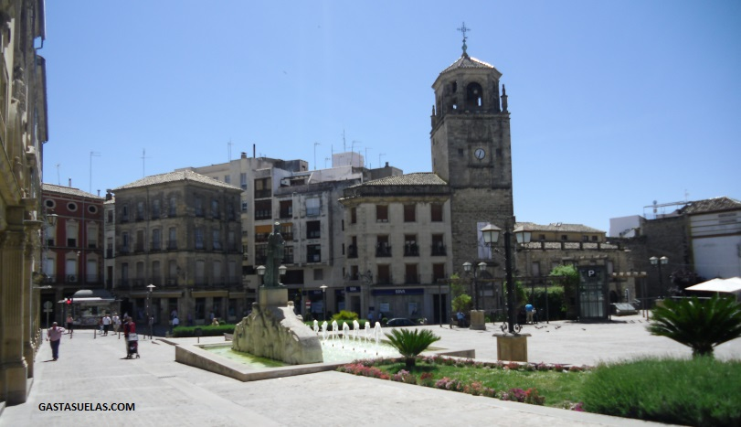 Plaza Andalucia - Torre Reloj Ubeda