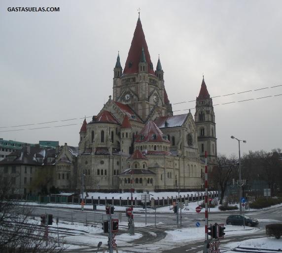 Iglesia de San Francisco de Asís en Viena (Austria)