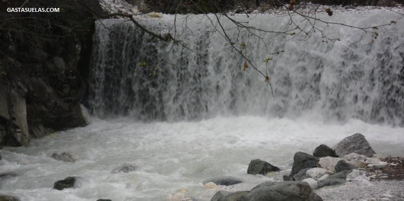 Cascada Pozar