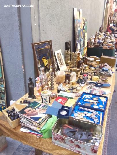 Venta de objetos de segunda mano en Lavapiés (Madrid)