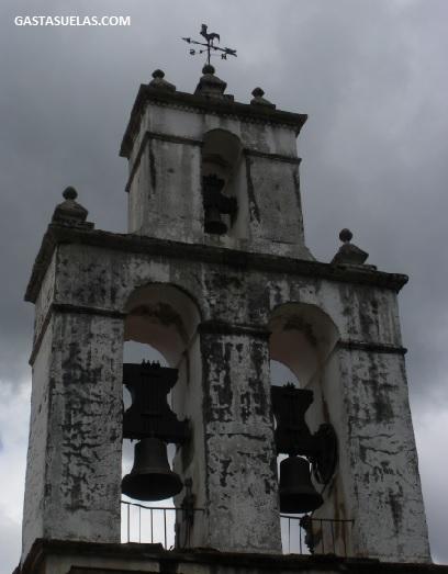 Iglesia Robledillo Gata Campanario