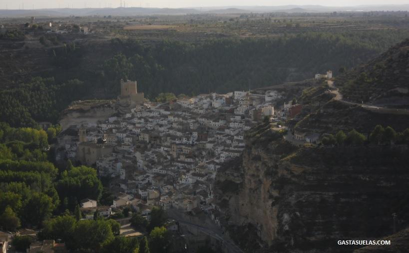 Alcalá del Júcar (Albacete): Un pueblo de cuevas con encanto