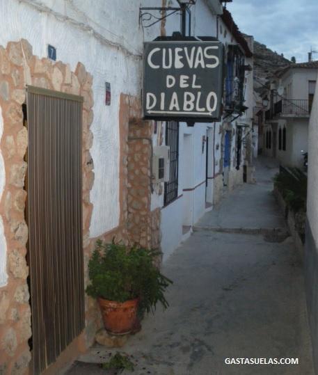 Cuevas del Diablo (Alcalá del Júcar)