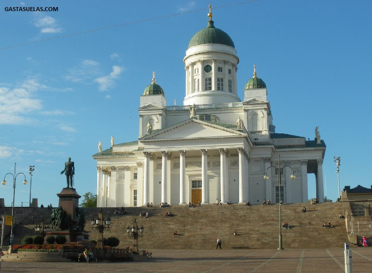 catedral helsinki plaza senate