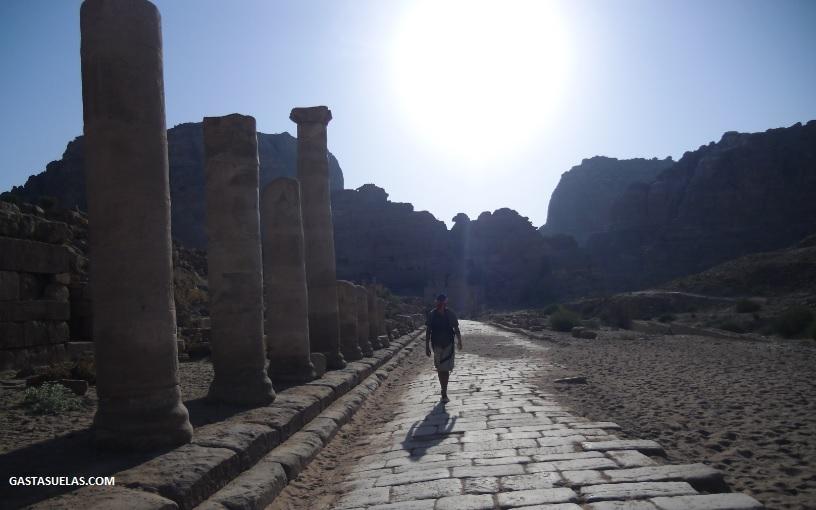 Calle Columnada en Petra (Jordania)