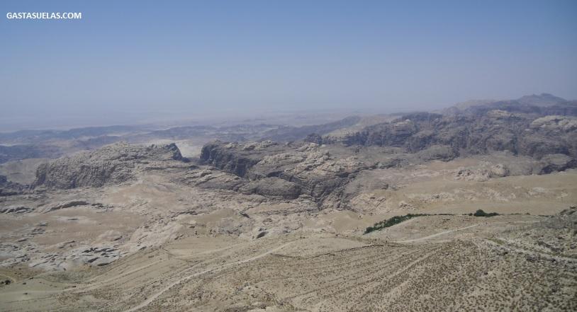 Valle del desierto de Jordania en donde se encuentra Petra