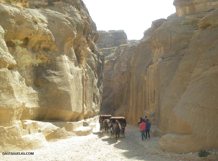 Entrada a As-Siq en Petra (Jordania)
