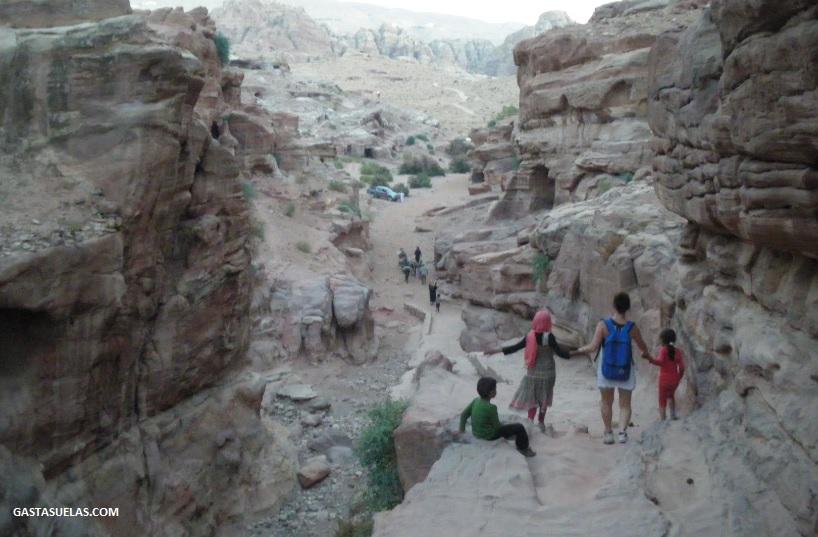 Descendiendo del Monasterio (Petra)