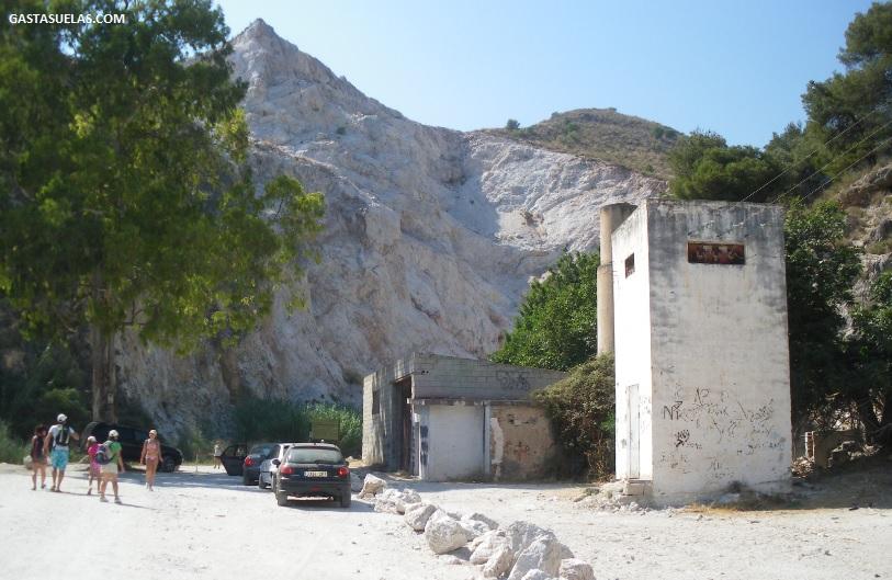 Acceso a la ruta del río Chillar (Málaga)