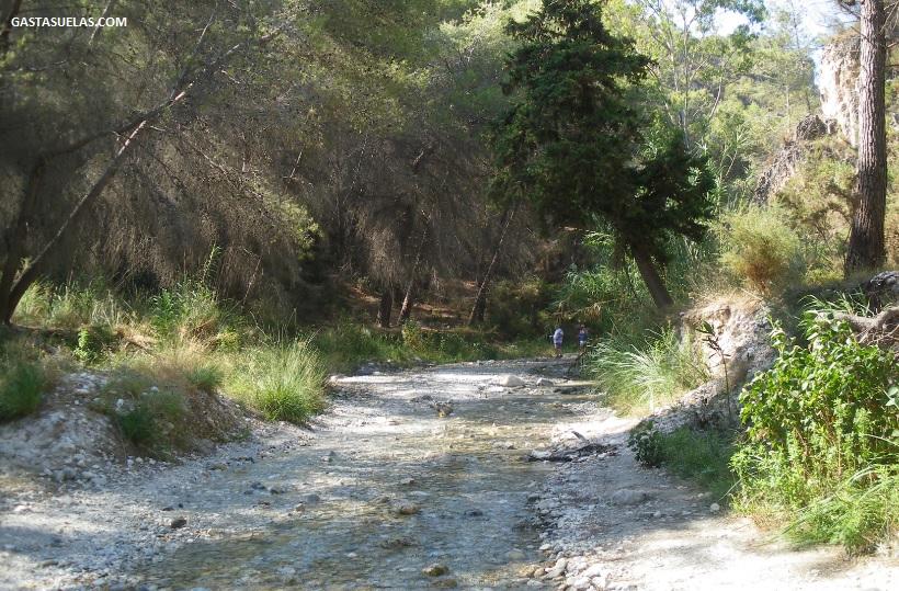 Senderismo acuático en el río Chillar (Málaga)