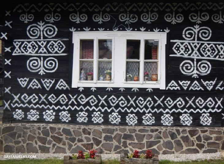 Čičmany (Eslovaquia): Un pueblo con encanto geométrico