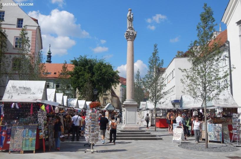 frantiskanske-namestie-bratislava