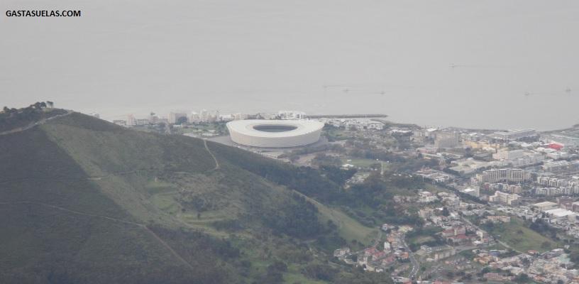 Vista del Estadio de Fútbol de Ciudad del Cabo desde Table Mountain