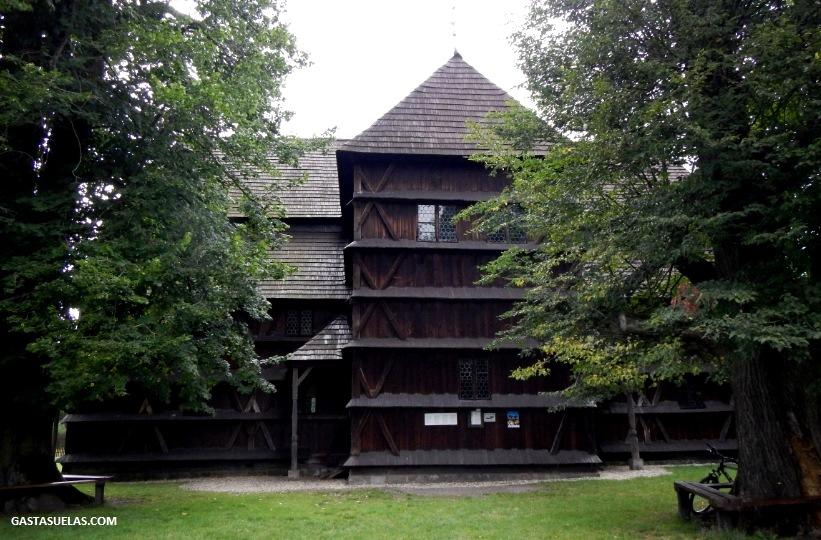 iglesia-madera-eslovaquia