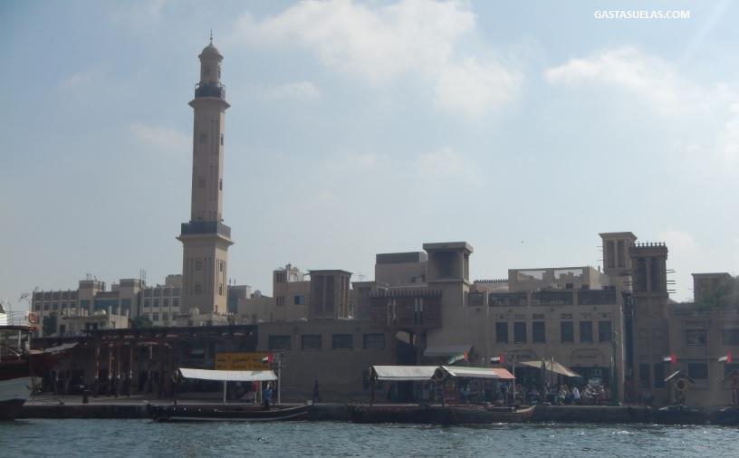 Dubai minarete gran mezquita