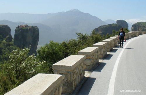 Carretera en Meteora (Grecia)
