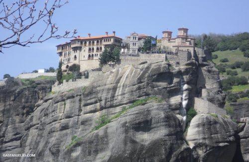 Vistas sobre una monasterio de Meteora (Grecia)