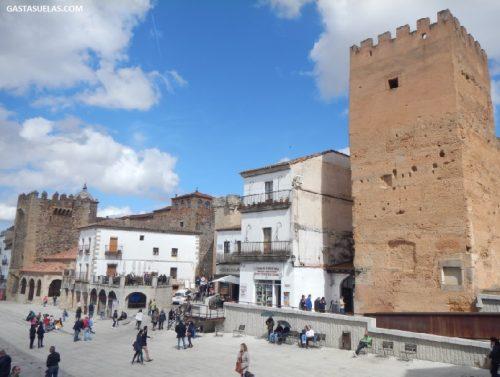 Plaza Mayor y Muralla Almohade de Cáceres