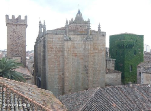 Tejados en el centro histórico de Cáceres (Extremadura)