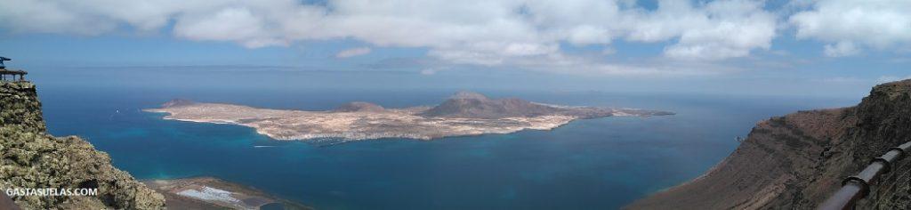 Isla de La Graciosa desde el Mirador del Río (Lanzarote)