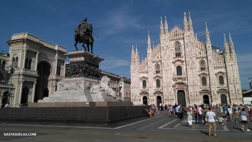 Plaza del Duomo en Milán (Italia)