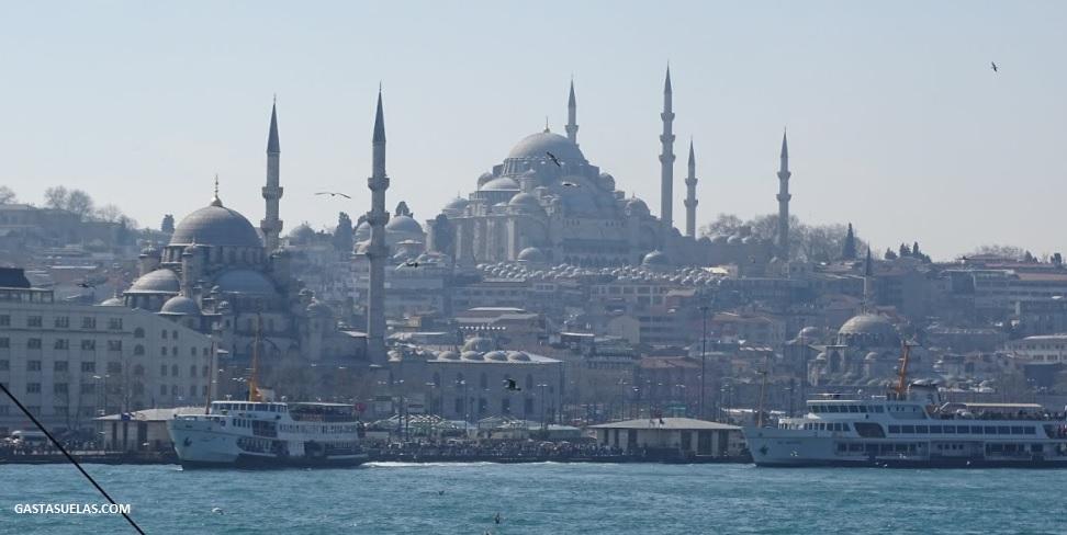 Dónde comer el mejor Kebab y el mejor Bocadillo de Pescado de Estambul