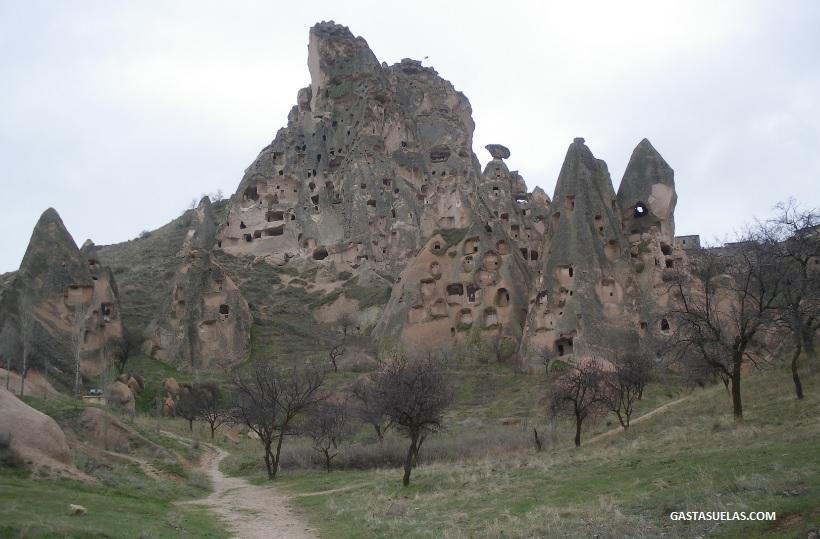 Uçhisar (Turquía): La Fortaleza Troglodita de Capadocia