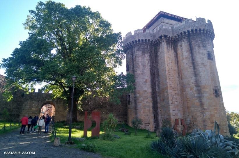 Entrada a la villa de Granadilla (Cáceres)
