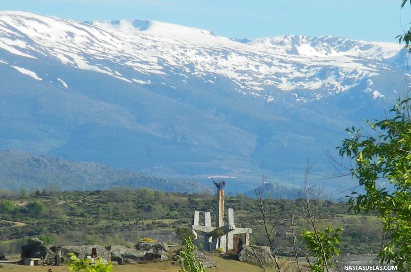 Parque Temático del Granito de Los Santos y Sierra de Béjar al fondo