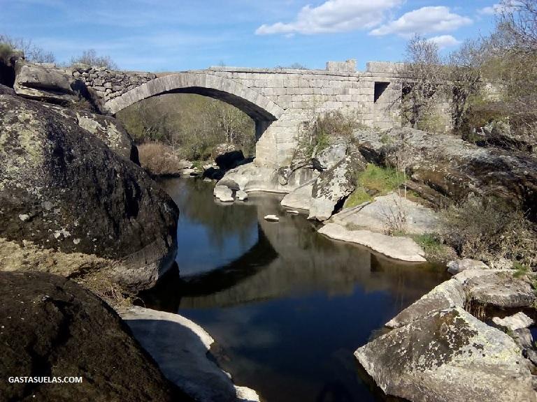 Puente de Rando en el río Alagón (San Esteban de la Sierra)