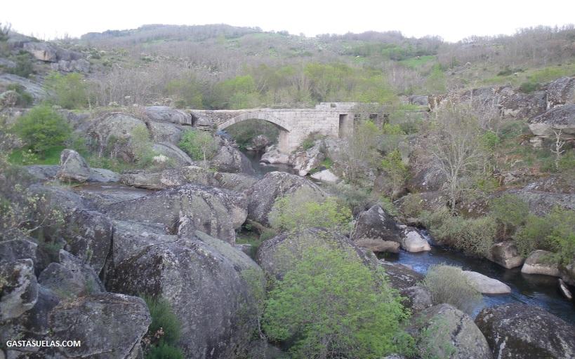 Puente Rando en las cercanías de Los Santos (Salamanca)