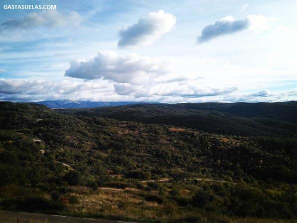Vistas del Valle del río Alagón y la Sierra de Francia camino de San Esteban de la Sierra (Salamanca)