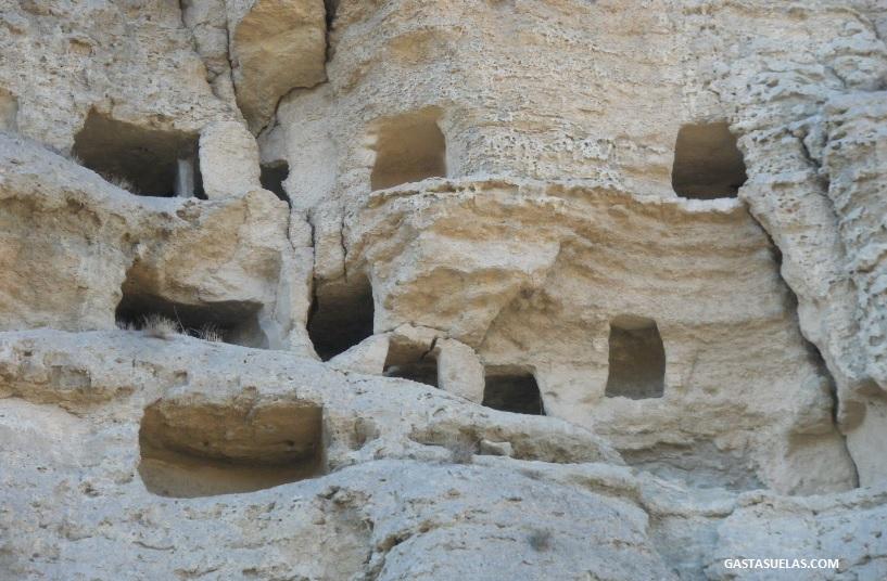 Detalle del Risco de las Cuevas en Perales de Tajuña (Madrid)