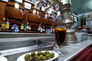 7 Buenos bares y tabernas para tomar vinos, vermut y cañas en Madrid