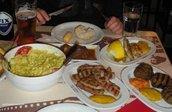 Cenando en Edessa (Grecia)