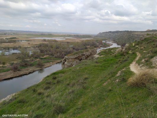 Sendero desde el Mirador de Titulcia la Barranco de Picote