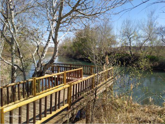 Embarcadero en el Parque Fluvial de Villamanrique de Tajo (Madrid)