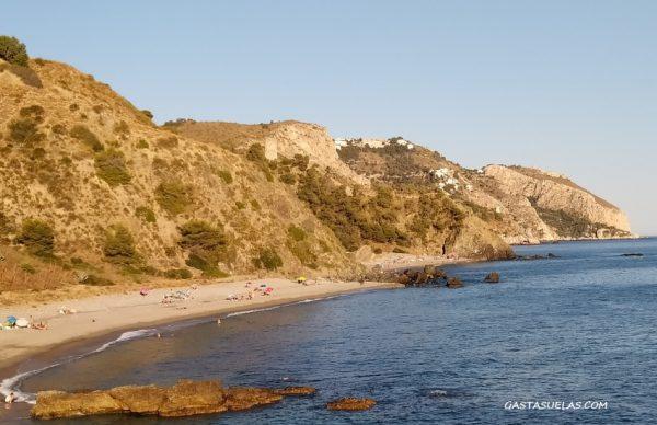 Playas en el Paraje Natural de los Acantilados de Maro-Cerro Gordo (Málaga)