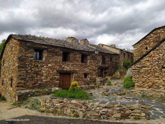 Pueblo Negro de Umbralejo (Guadalajara)